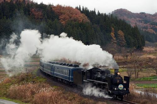 2015.11.14 12:31 8226レ 徳沢~上野尻間