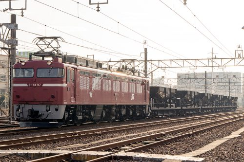 EF81-97ホキ6両 新小岩(信)