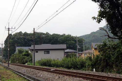 下り列車方向 35mm換算70mm相当(APS-C 44mmで撮影)
