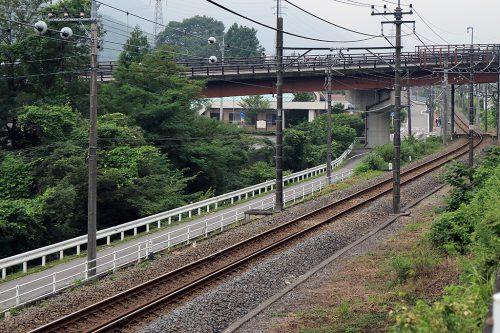 上り列車方向 35mm換算100mm相当(APS-C 66mmで撮影)