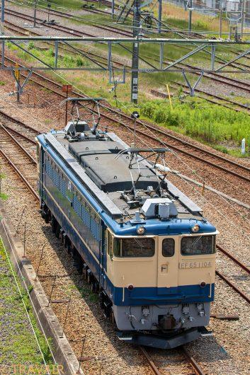 EF65-1104単機