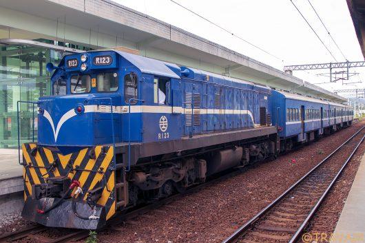 3672次 台東駅