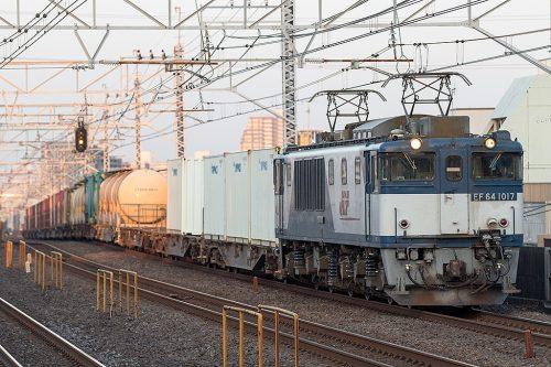 EF64-1017 1095レ 小岩駅