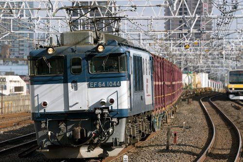 EF64-1044 市川駅