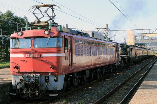 EF81-151 回9826レ 村上駅