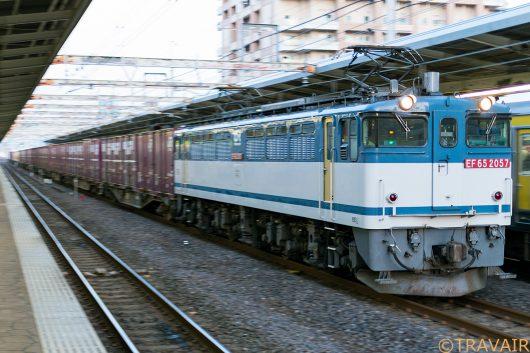 EF65-2057 1092レ 市川駅