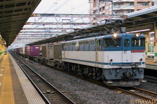 EF65-2084 1090レ 市川駅