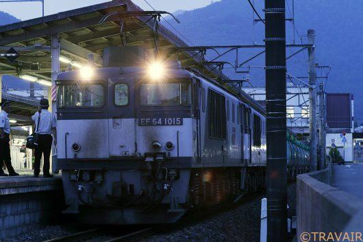 EF64-1015塩尻駅