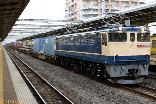 EF65-2089 1090レ 市川駅