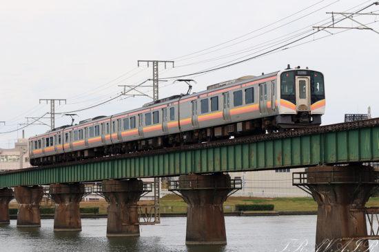 E129系4両