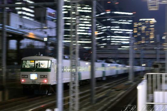 2020.11.13 20:03撮影 3727M 浜松町駅
