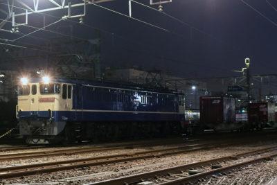 EF65-2081 新小岩(信)発車