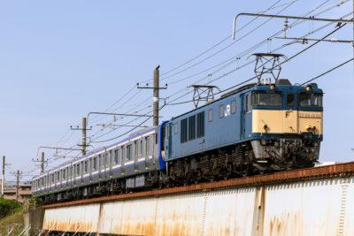 EF64-1032 E235系配給